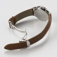 ステンレスのムク材を用いた美しい三つ折れのダブルプッシュ中留 - Nel(ネル): フランネルフラワーをモチーフにした機械式腕時計