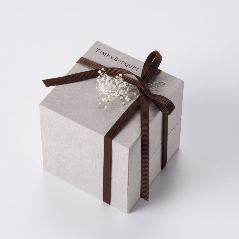 gift-box-brown-ribbon-bow