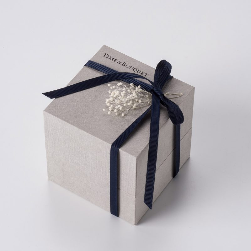 gift-box-navy-ribbon-bow