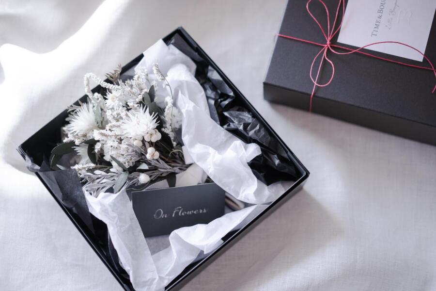 ウィンターフェア ホワイトブーケとボックス